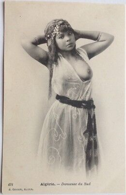 Danseuse Mauresque arabe seins nus / nude arab Moorish Woman