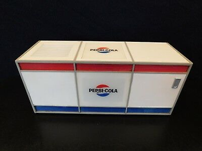 VINTAGE EARLY 1960s PEPSI COLA OLD ANTIQUE SODA COIN OP MACHINE AM-FM RADIO