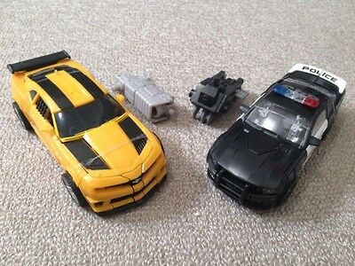 Transformers DOTM Deluxe Class Bumblebee And Barricade