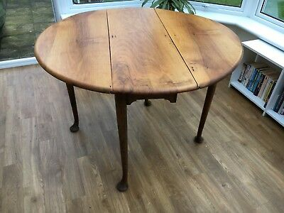 English 18th Century Antique  Georgian Walnut Pad Foot Gateleg Table circa 1760