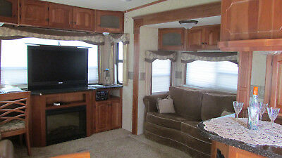 Luxury Loaded 38' 5th Wheel - 4 slides-Island Kitchen-Fireplace-W/D