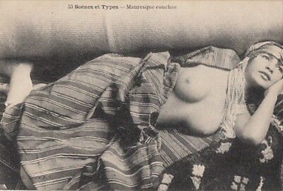 MAURESQUE COUCHEE seins nus / nude arab Moorish Woman