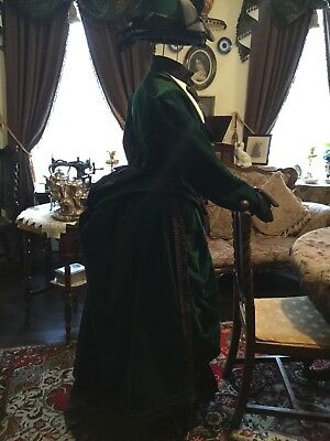 Victorian bustle gown/Gothic/steampunk/costume