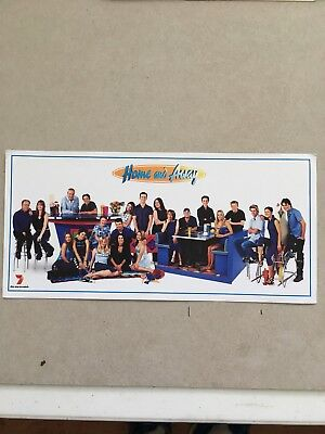 AUSTRALIAN TV FAN CARD HOME AND AWAY CAST SHOT 21x10cm