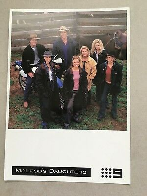 AUSTRALIAN TV FAN CARD MCLEODS DAUGHTERS CAST SHOT  14x21cm