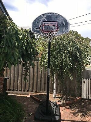 Portable outdoor basketball hoop stand