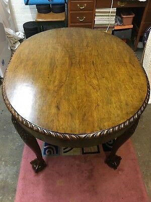 Walnut / Mahogany Chippendale Design Oval Table with Claw & Ball Feet
