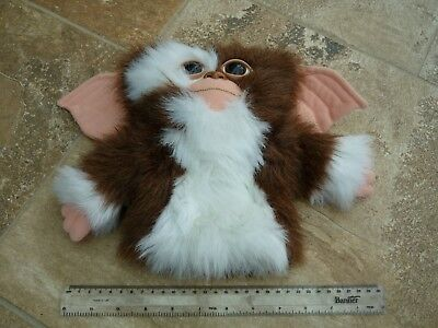 Original (1988) Gizmo (Gremlins) Hand Puppet / Soft Toy by Applause