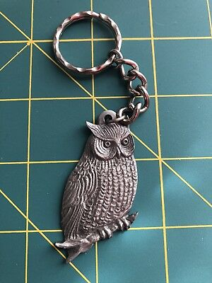 Owl, double sided Pewter Keychain, owl on one side, other side says I love owls.
