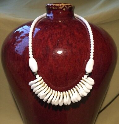 Vintage Art Deco White Czech Glass Seccessionist Nouveau Style Bead Necklace