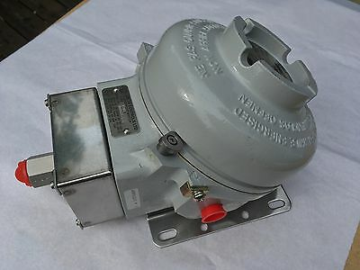 Pressure Switch Bellows Actuated Flameproof -  job lot bankrupt stock pneumatic