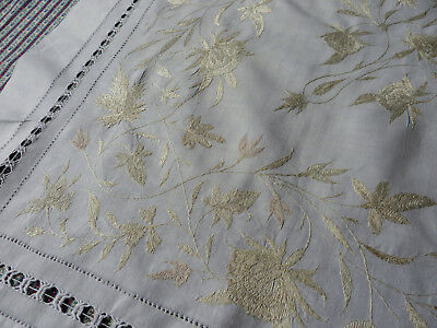 """Lovely Antique /Vintage Silk Hand Embroidered Linen Tablecloth 37"""" sq Textile"""