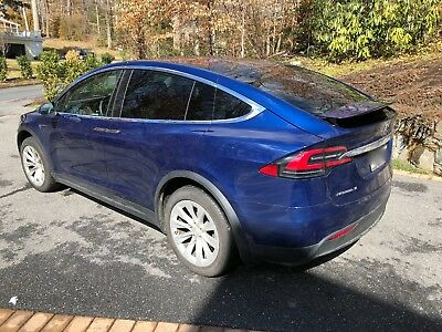 2016 Tesla Model X 75D Late 2016 Tesla Model X 75D With Autopilot 2.0 with Full Self-Driving Software!