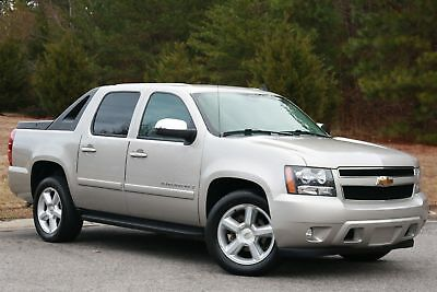 2008 Chevrolet Avalanche LT w/2LT 2008 AVALANCHE 2LT,SILVER/BLK LEATHER,ALL PWR,80K MILES LOOKS & RUNS GREAT