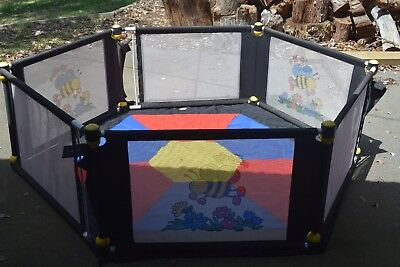 VeeBee 6 Sided Play Yard - with play mat play pen