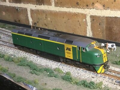 Australian National CL4R diesel locomotive with DCC/sound in HO scale