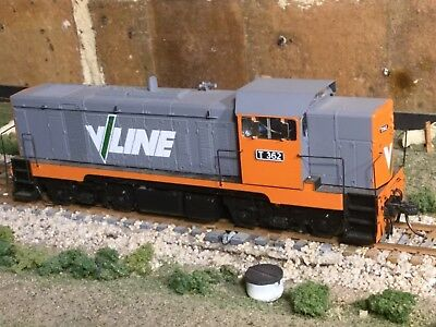 VLine T class diesel locomotive T362 with DCC and sound in HO scale.