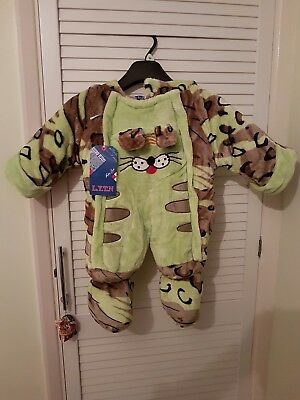 warm baby winter, snowsuit 6-12 m.