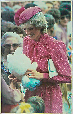 Postcard-Royalty.australia.princess Diana On Walkabout In Perth 1983.