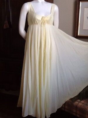VTG  Pale Yellow OLGA Full Sweep Classic Nightgown Negligee Gown 9270 Sz 34
