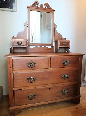 Gorgeous Edwardian Dressing Table with Ornate Mirror in Good Condition c.1901
