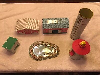Vintage Ohio Art Tin Litho Barn, W/Other Buildings and Plastic Accessories Lot