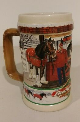 """BUDWEISER 1998 Holiday STEIN Beer MUG """"Clydesdales At Home""""  CS386"""