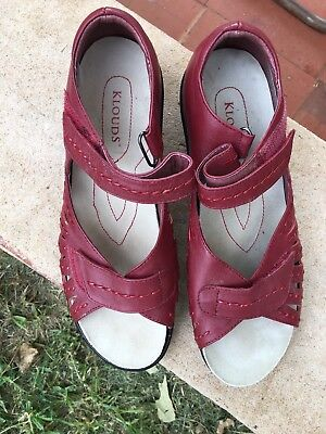 Klouds Red Leather Sandals Size 38!