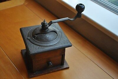 ANTIQUE VINTAGE COFFEE GRINDER CAST IRON & WOOD - Crank Turns Freely - Mill