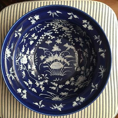 Chinese Large Pate-sur-pate Bowl 18/19th Century Blue White