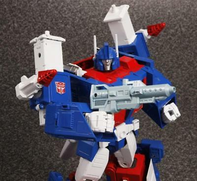 G1 Transformers MASTERPIECE-ULTRA MAGNUS MP 22