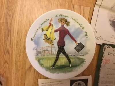 Women Of The Century COLLECTIBLE PLATES in Original Box, authentic cards