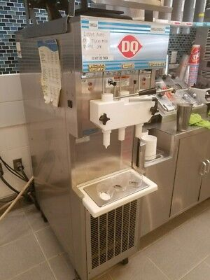 HC Duke & Son Electro Freeze Dairy Queen 957R-132 Soft Serve Machine