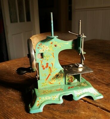 Rare Antique Miniature Sewing Machine Beautiful Hand Painted Birds No 47208