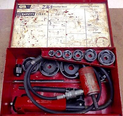 Gardner Bender Hydraulic Knockout Set with PH20 Hand Pump in Case w/ Extras