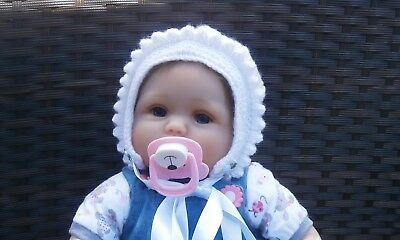 Hand Knitted Baby Girls Bonnet / Hat  (5 sizes)  WHITE