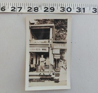 Antique Photo American Hotel Cold Beer and Wine Dow 1920s