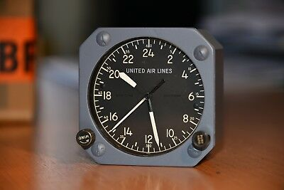 Breitling aircraft cockpit clock Borduhr from Boeing 707 or 727