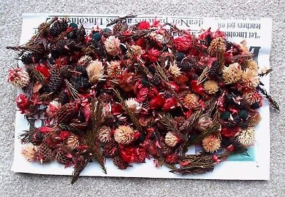 100g OF CHRISTMAS POT POURRI. REDS/BROWNS/CREAMS WITH A SCENT OF MULLED WINE