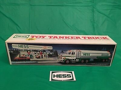 1990 Hess Tanker Truck w/ bag & magnet! New in Box. Mint, Vintage collectable!
