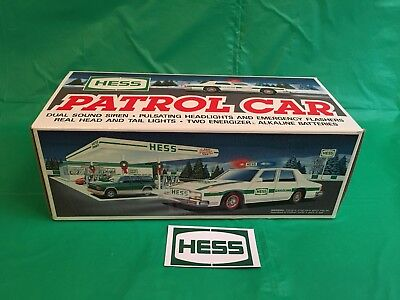 1993 Hess Patrol Car w/ bag & magnet! New in Box. Mint, Vintage collectable.
