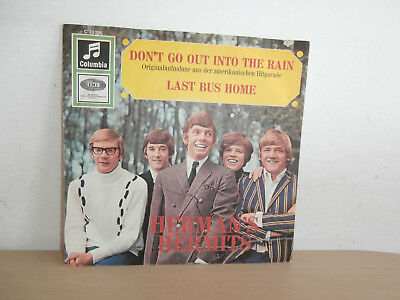 7 inch Vinyl        HERMAN´S HERMITS            ***DON´T GO OUT INTO THE RAIN***