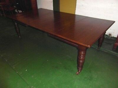Superb Victorian Oak Dining Table