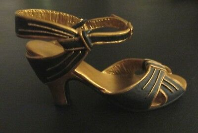 """Just the Right Shoe collector's """"Rising Star""""Signed by disigner-Raine-Item#25043"""