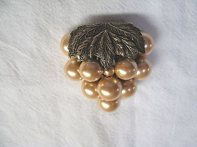Vintage Fur Or Dress Clip - Cluster Of Large Faux Pearls