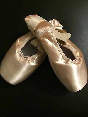 Capezio Glisse Extra Strong Pointe Shoes - BRAND NEW - Size 9.0m