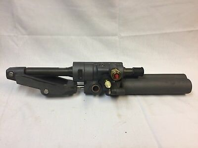 Oem Mercury Power Steering Cylinder #866200A01 Free Shipping!!!!!!!!!