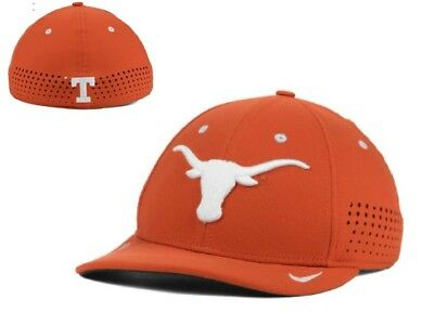 premium selection 9d7d9 cf660 New NWT Nike Texas Longhorns NCAA Sideline Flex Hat Cap S M Small Medium
