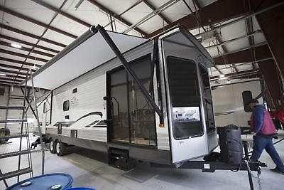 For Sale 2018 Wildwood DLX 353FLFB Park Trailer RV-These Savings Won't Last Long