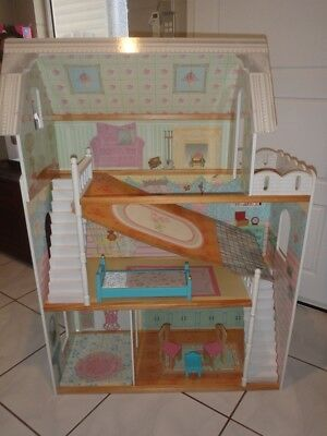 Childrens Dolls House - Good Used Condition - Pick Up Bentley Park, Cairns 4869